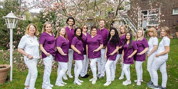 Das Team von Family Dental Praxis