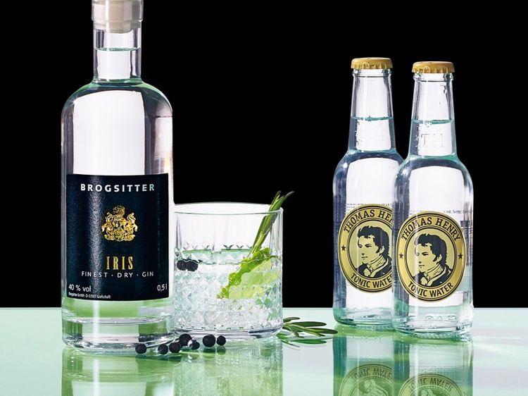 Beispielbild für Brogsitter IRIS Finest Dry Gin mit Thomas Henry Tonic Water