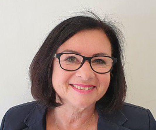 Kontaktbild von Frau Eveline Fröhlich